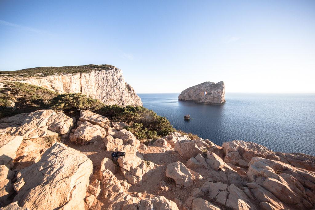 Blick auf die Bucht nahe der Grotta di Nettuno bei Alghero, Sardinien